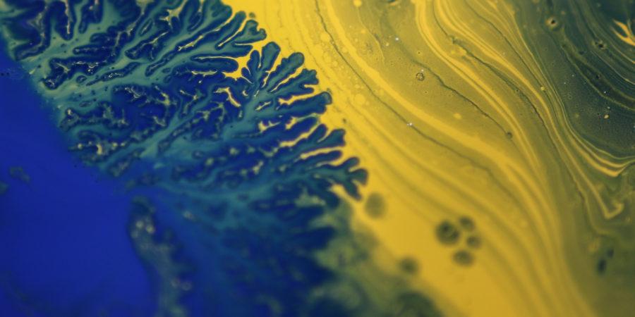 encre bleu et jaune